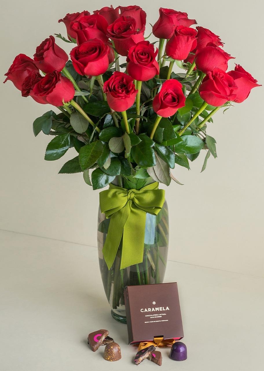Imagen para Regalo 4 chocolates con 24 rosas rojas - 1