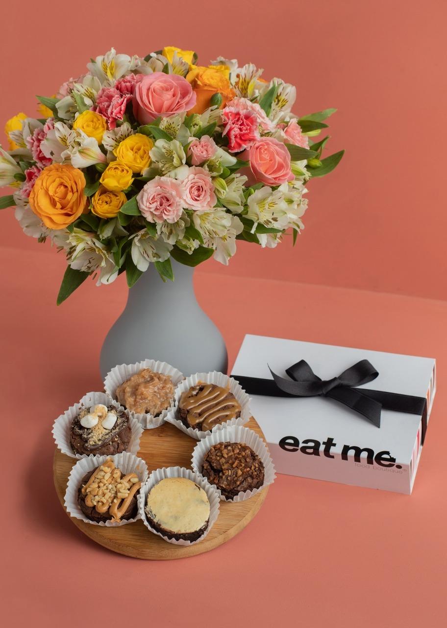 Imagen para Regalo Brownies y Arreglo Floral - 1