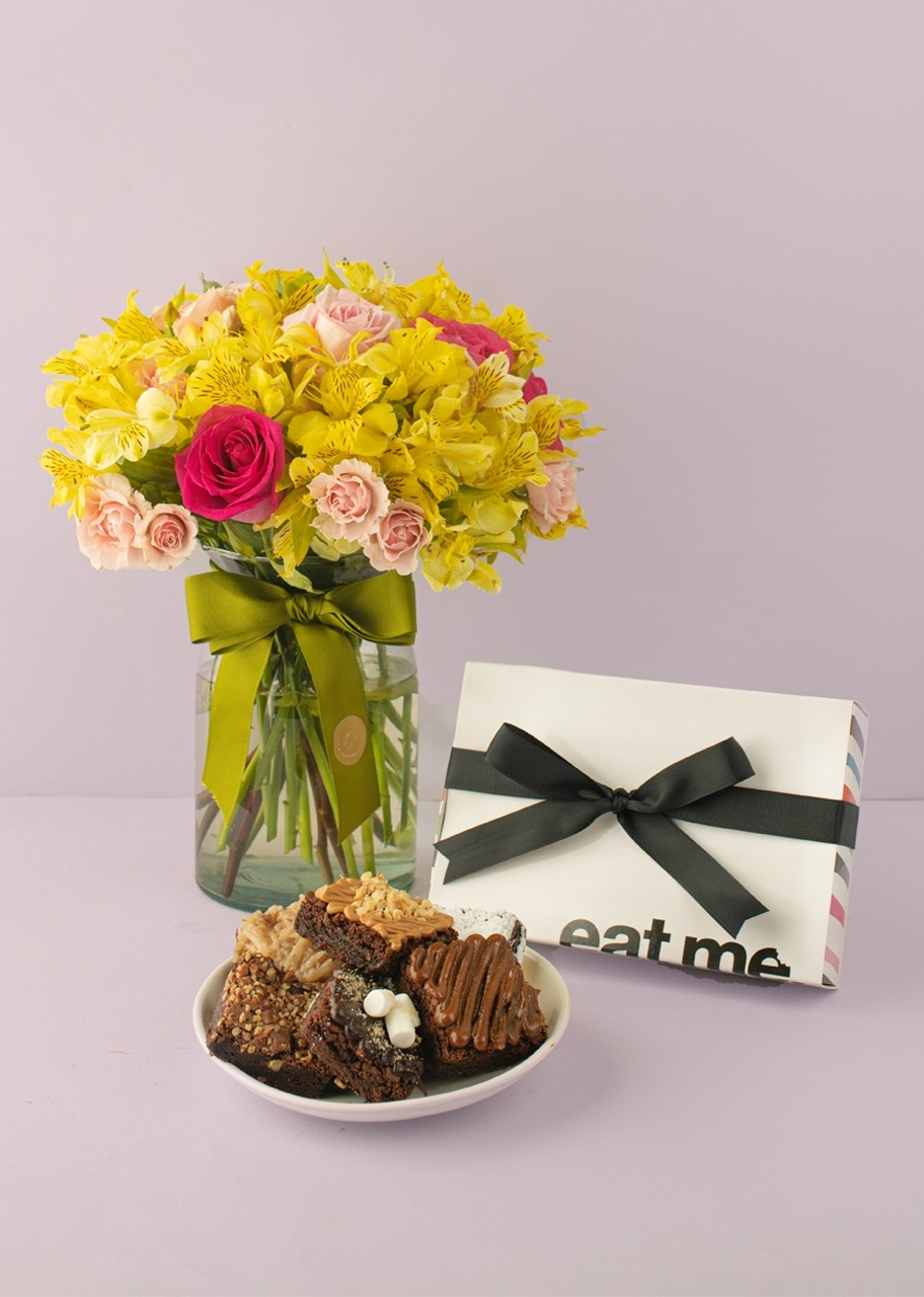 Imagen para Regalo Brownies y Mini Rosas en Jarrón - 1
