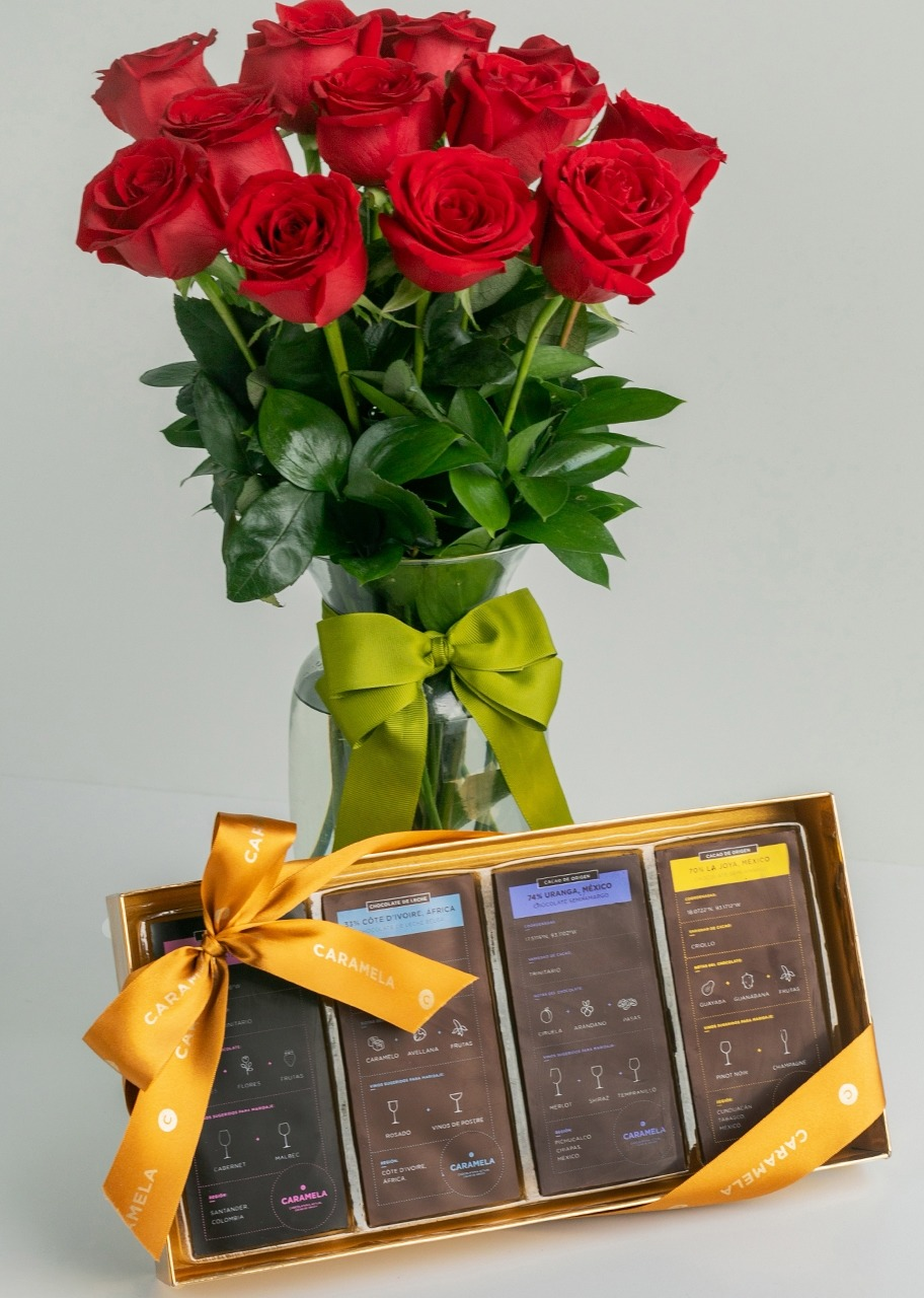 Imagen para Gift Chocolates Pairing with Roses - 1