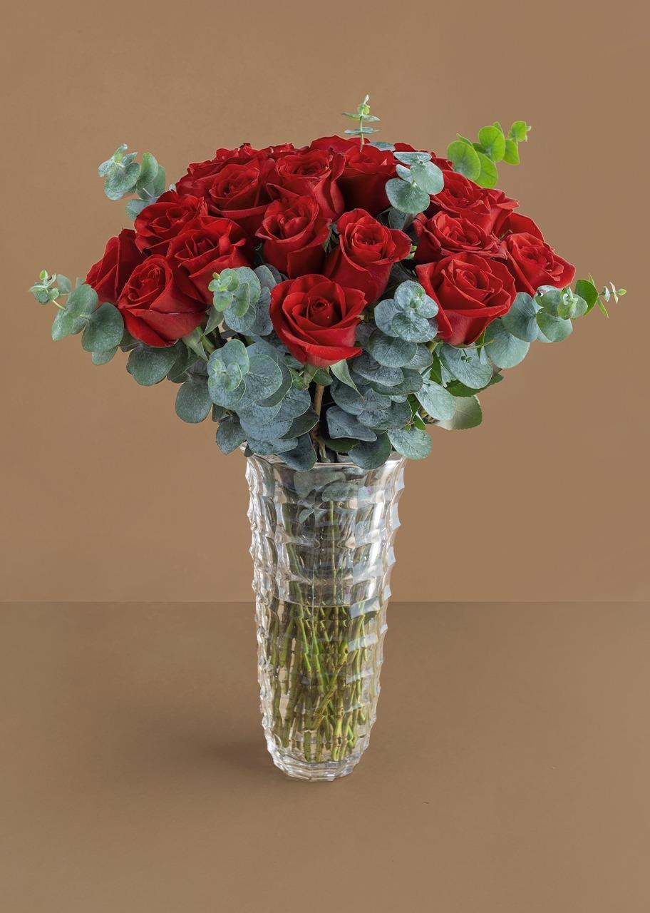 Imagen para 24 Rosas Rojas en Jarrón Imperia - 1