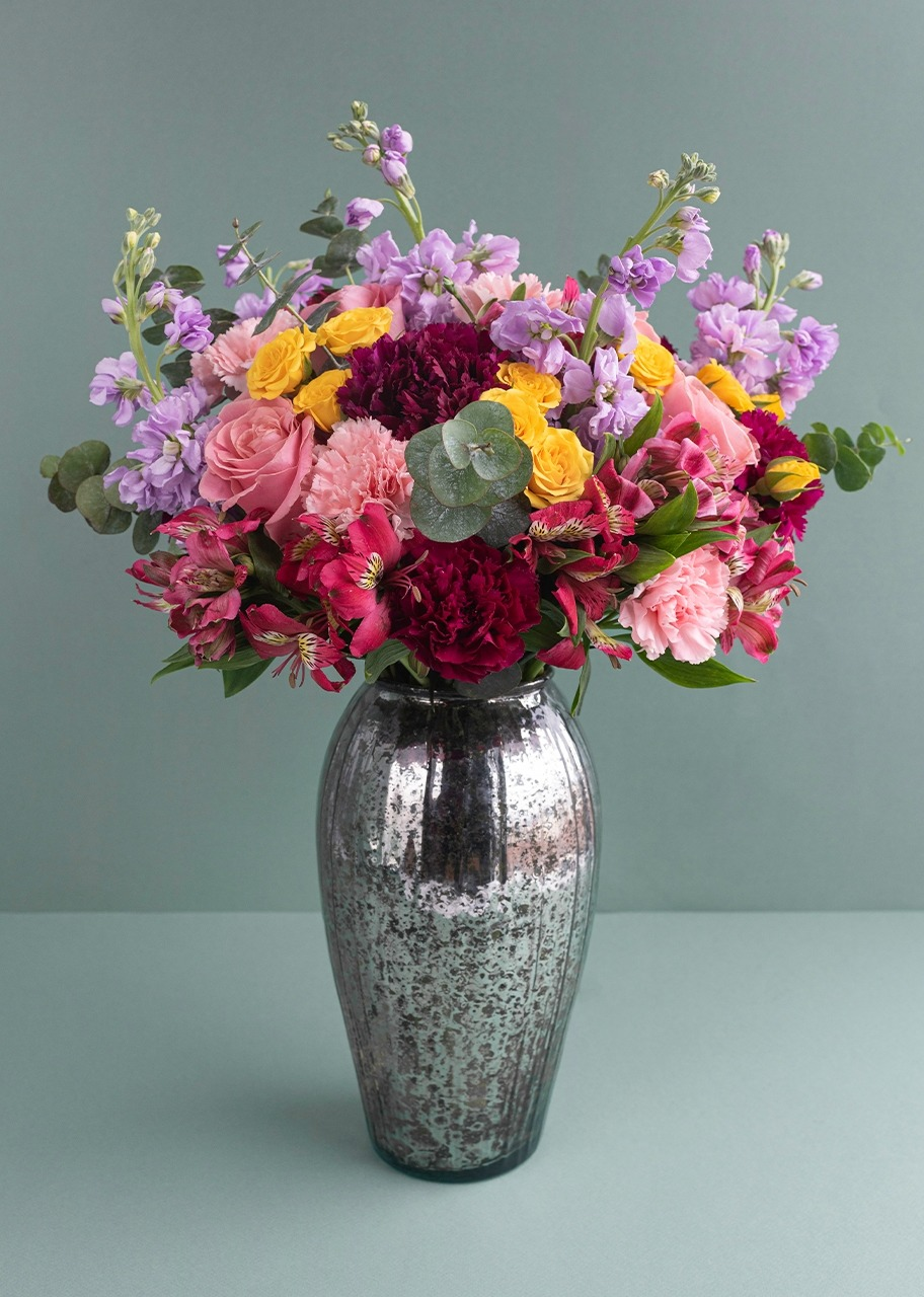 Imagen para Rosas rosas y alhelies en jarrón jaspeado platinado - 1