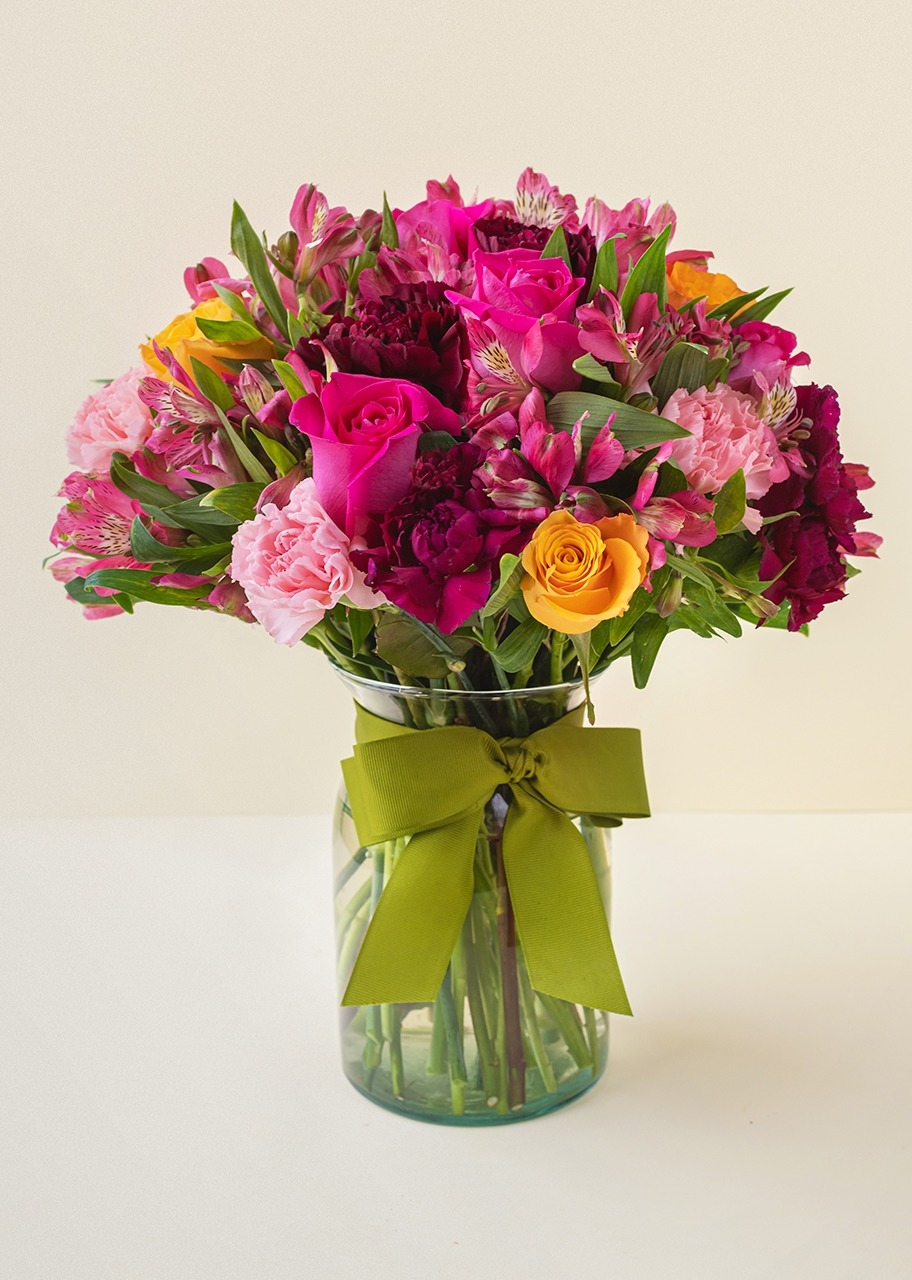Imagen para Pink Roses and Carnations in vase - 1
