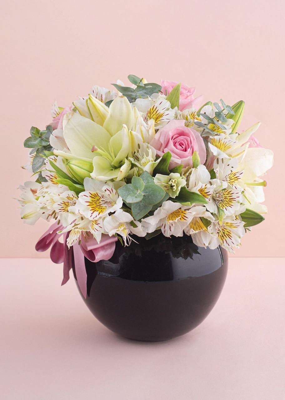 Imagen para Rosas y Lilies en Pecera Negra - 1