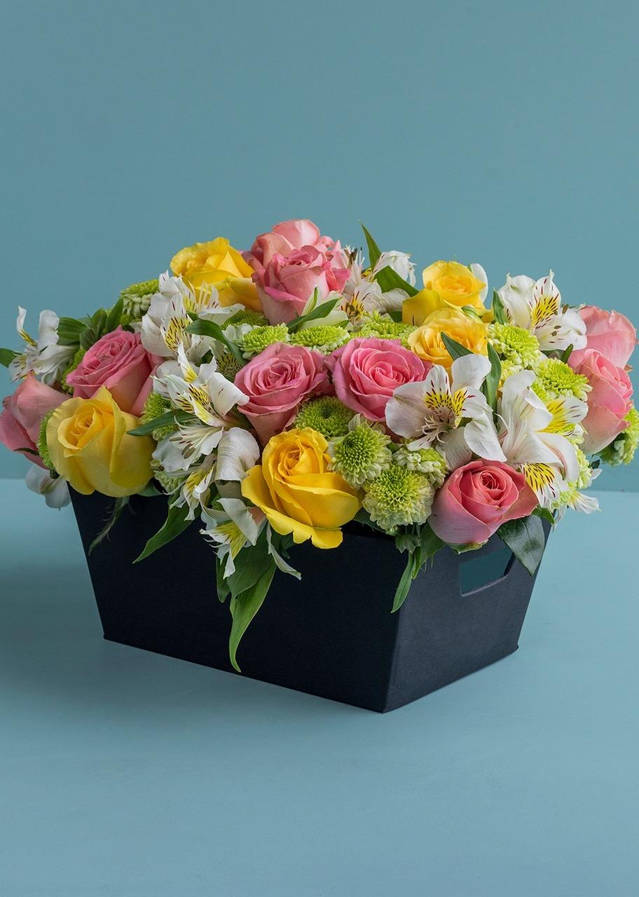 Imagen para Rosas y Margaritas en Canasta - 1