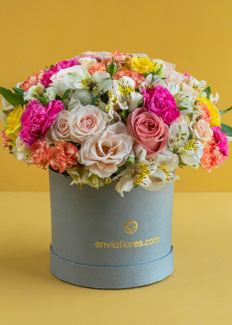 Imagen para Roses and Mini Roses Flower Box - 1