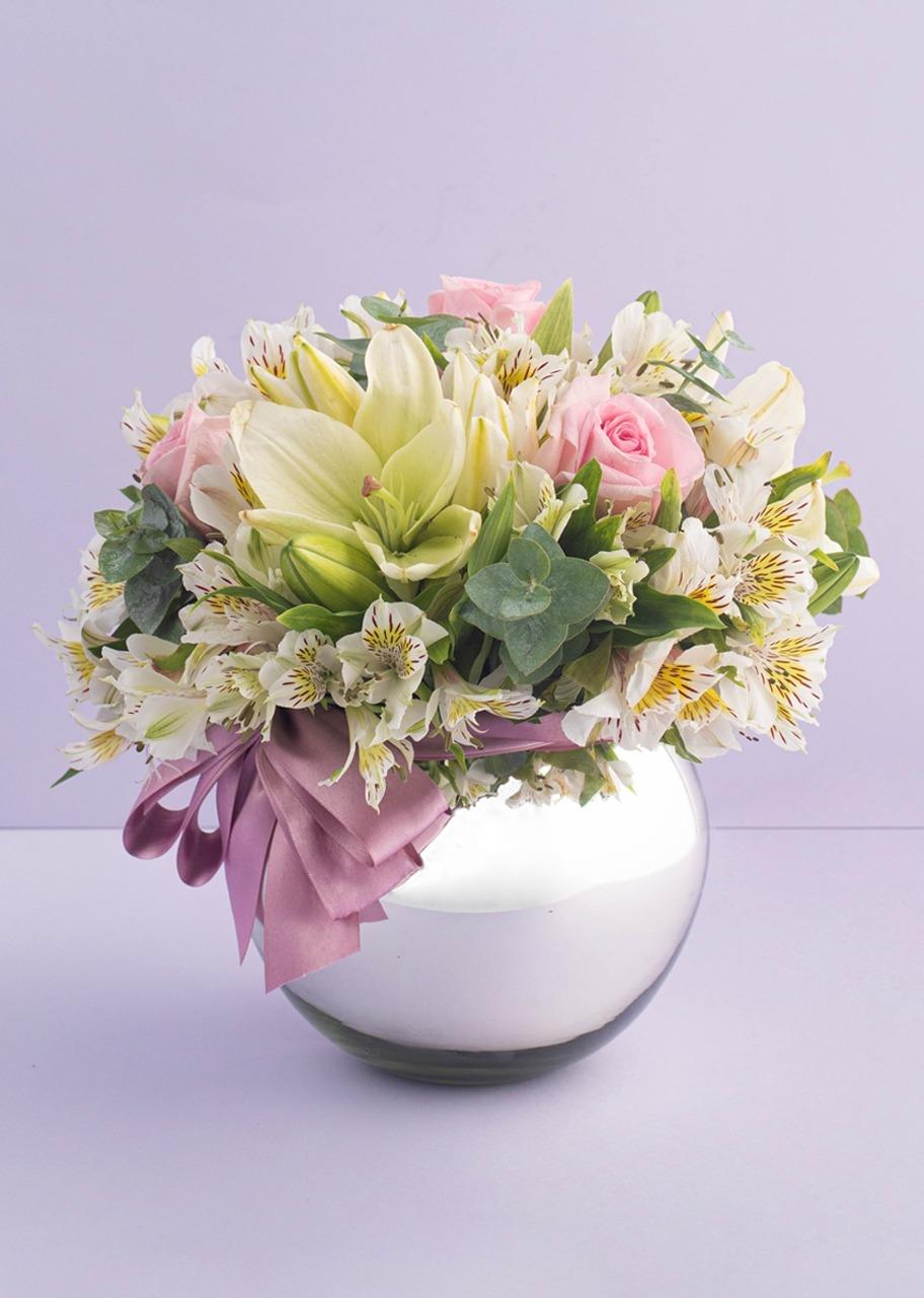 Imagen para Rosas y lilies en Pecera Platinada - 1