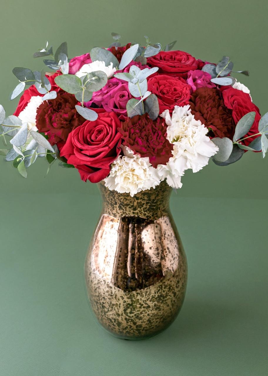 Imagen para Rosas y mini rosas en jarrón jaspeado - 1