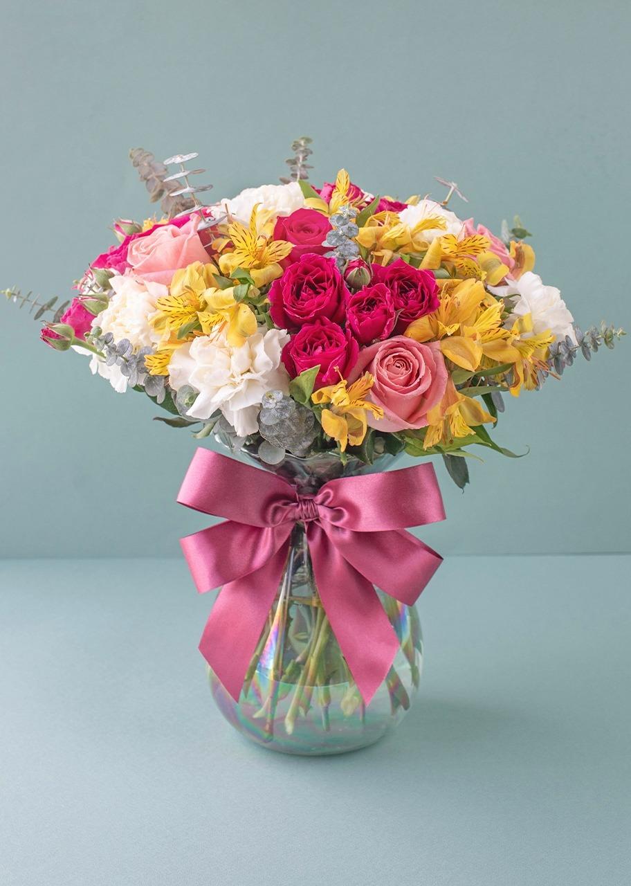 Imagen para Rosas y mini rosas en jarrón tornasol - 1