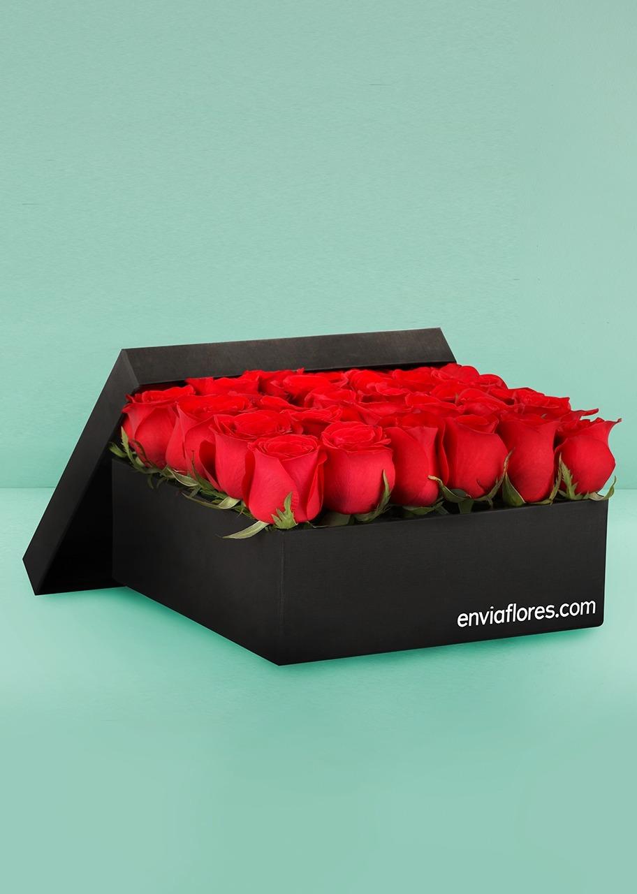 Imagen para Sofisticado Amor con 36 Rosas Rojas - 1