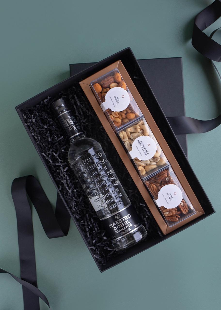 Imagen para Tequila Maestro Dobel Giftbox - 1