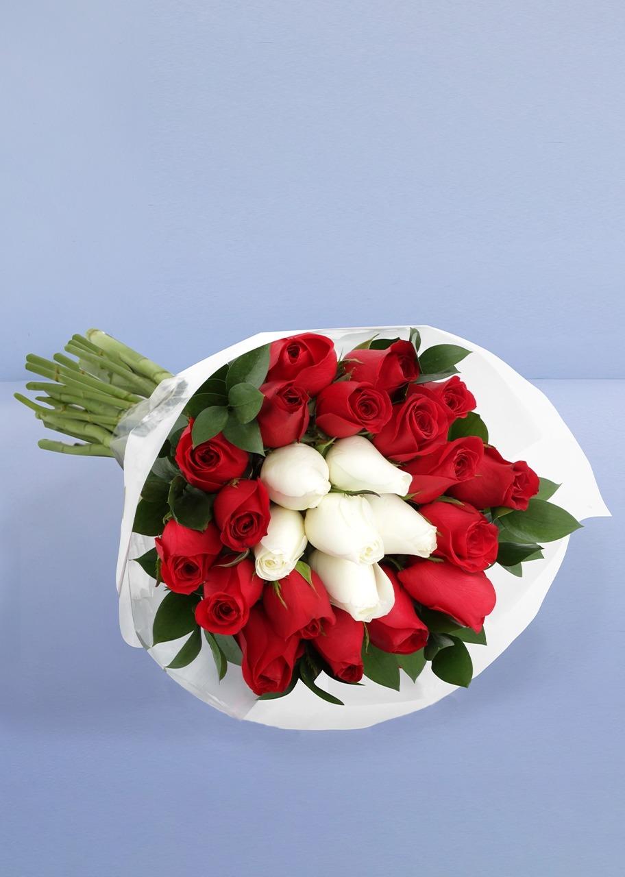 Imagen para Toque de Amor con 24 Rosas - 1