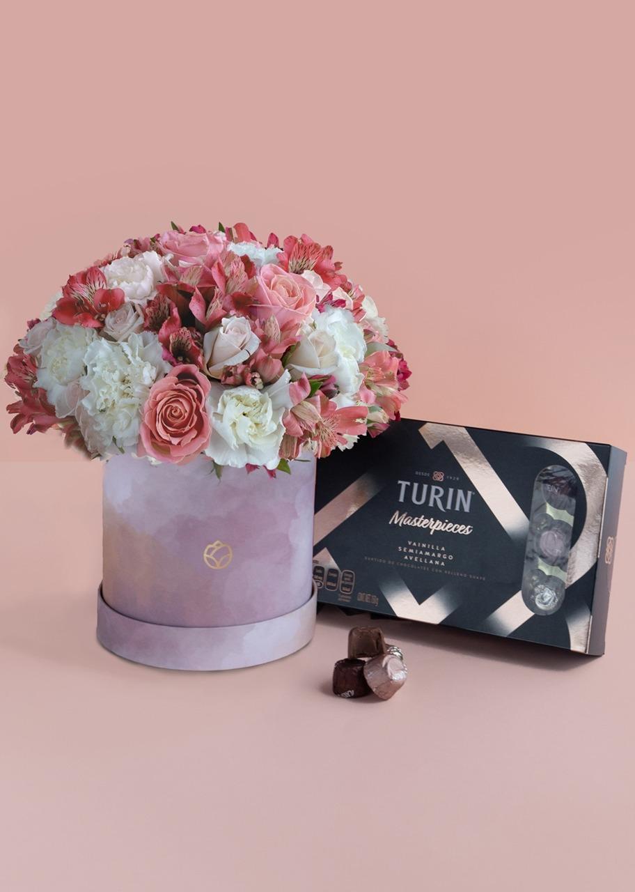 Imagen para Turin masterpieces con rosas y claveles - 1