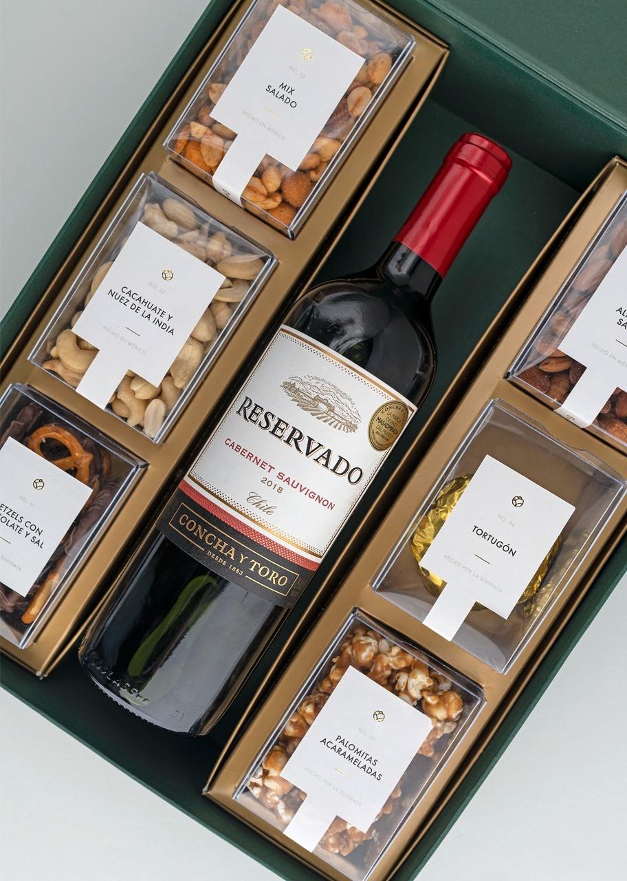 Imagen para Canasta grande Vino tinto Concha y Toro - 1