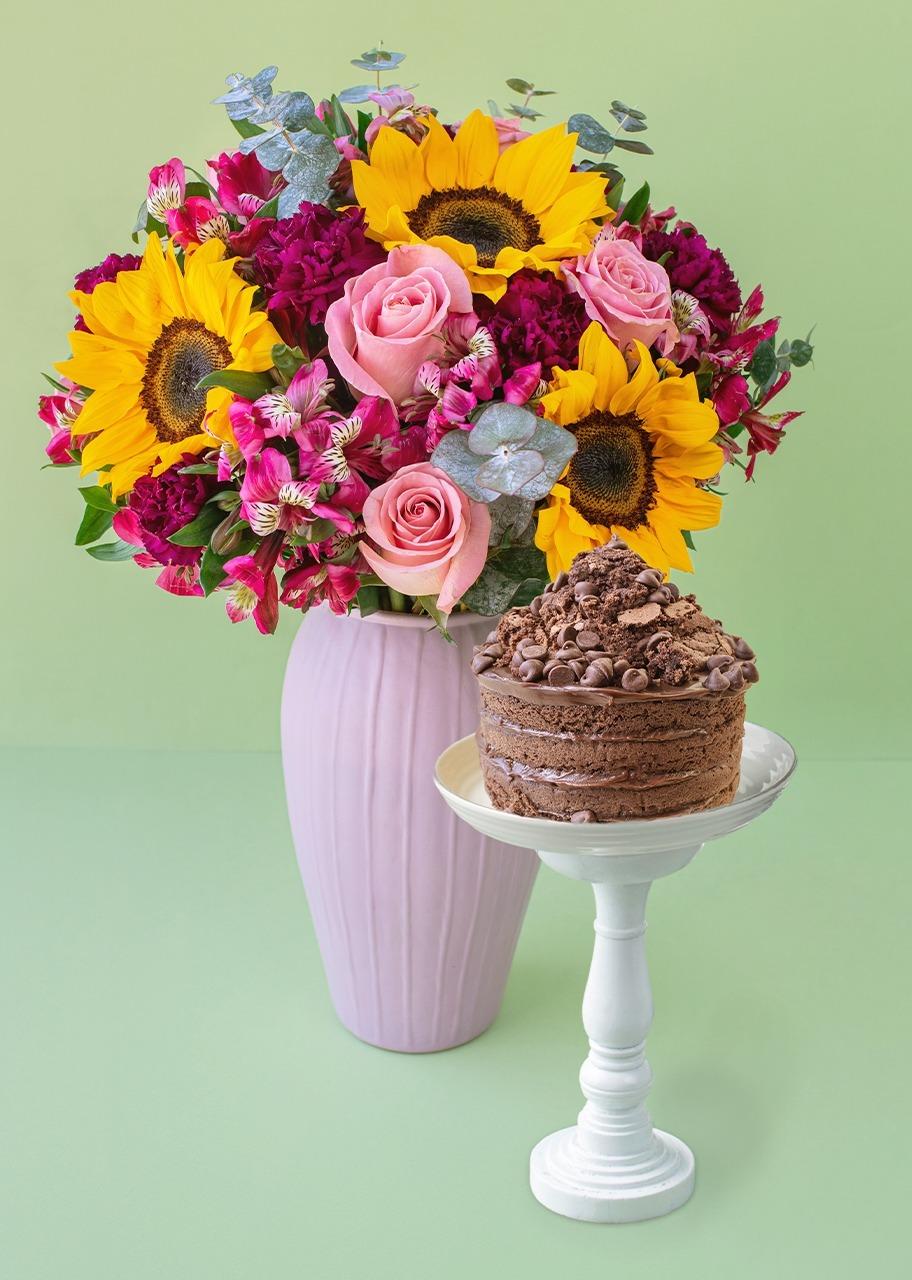 Imagen para Rosas y girasoles con pastel chocolate - 1