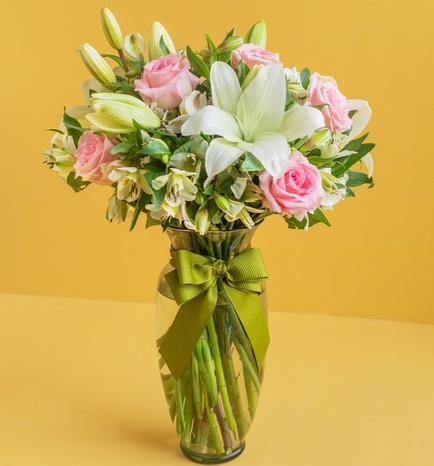 Tenderness with Roses and Alstroemeria