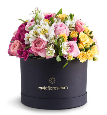 Flower Box with 18 roses and Mini Roses