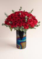 50 Rosas Rojas En Jarrón Negro Tornasol